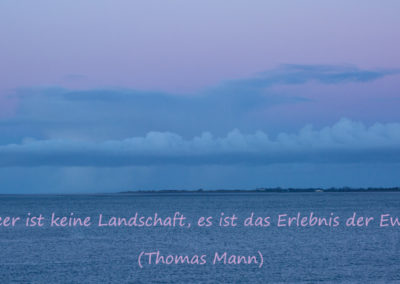 Sonnenuntergang in Wilhelmshaven - die hellbaue und rosa Stunde